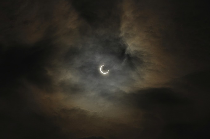 total-solar-eclipse-95547_1280 (2)