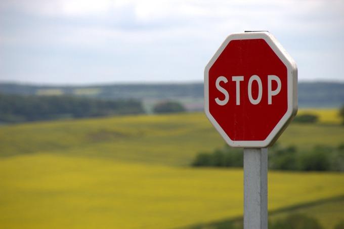 stop-634941_1280-2